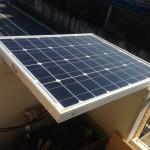 ソーラーパネルは全面に光が当たらないとロクに発電しない件